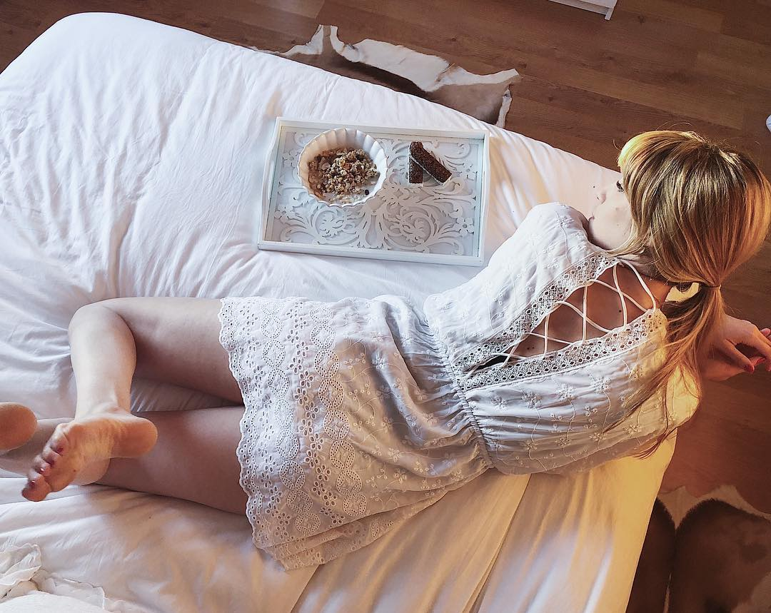 Como muchas me preguntáis en qué consiste exactamente el tratamiento que me estoy haciendo en @institutomedicomiramar os lo dejo todo detallado, toma nota: ? 1) Accent ultra+Accent prime para quemar la grasa localizada en el abdomen.  2) Reaction (anticelulitico)  3) Mesoterapia inyectada: es un cocktail homeopático para mejorar la celulitis que se inyecta en la zona a tratar. 4) Plataforma vibratoria  5) Presoterapia Si os queda alguna duda ya sabéis que os contesto encantada. (hasta el 28/02 tiene promoción) ??#body #bodyfitness #tratamientocorporal