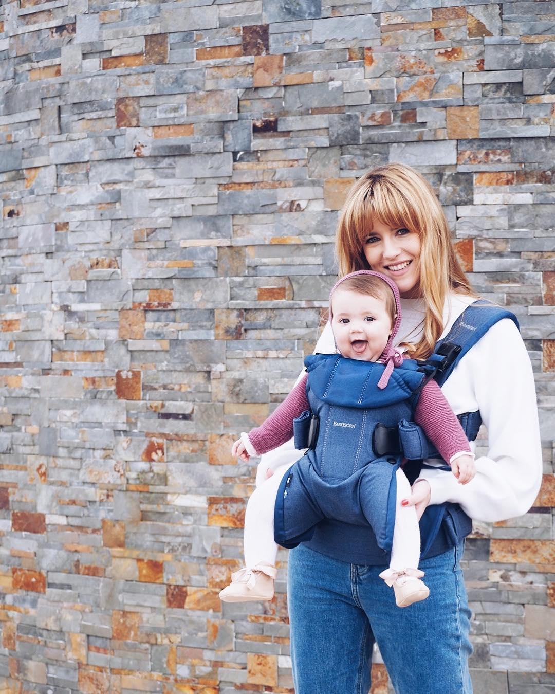 Love being a mom? Nuevo post en el blog, me encanta llevar así a #BabyAnita  #babybjornlovemanifesto @babybjornty