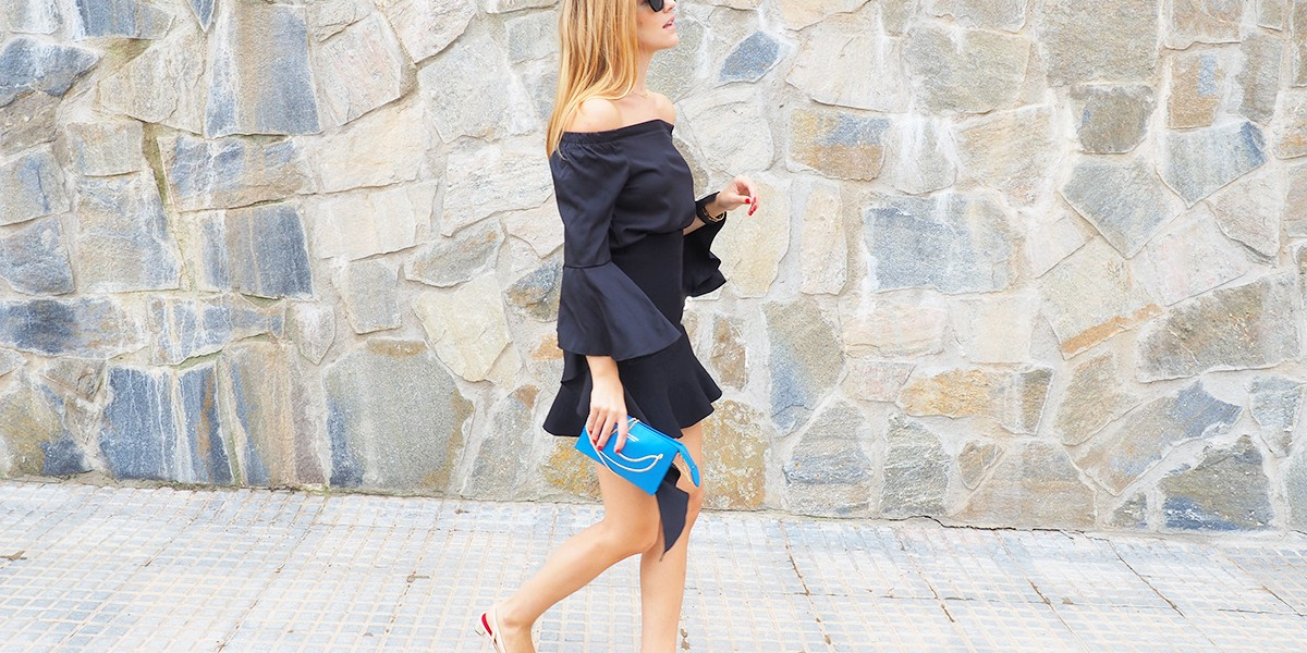 How to wear: BLACK FRILLS