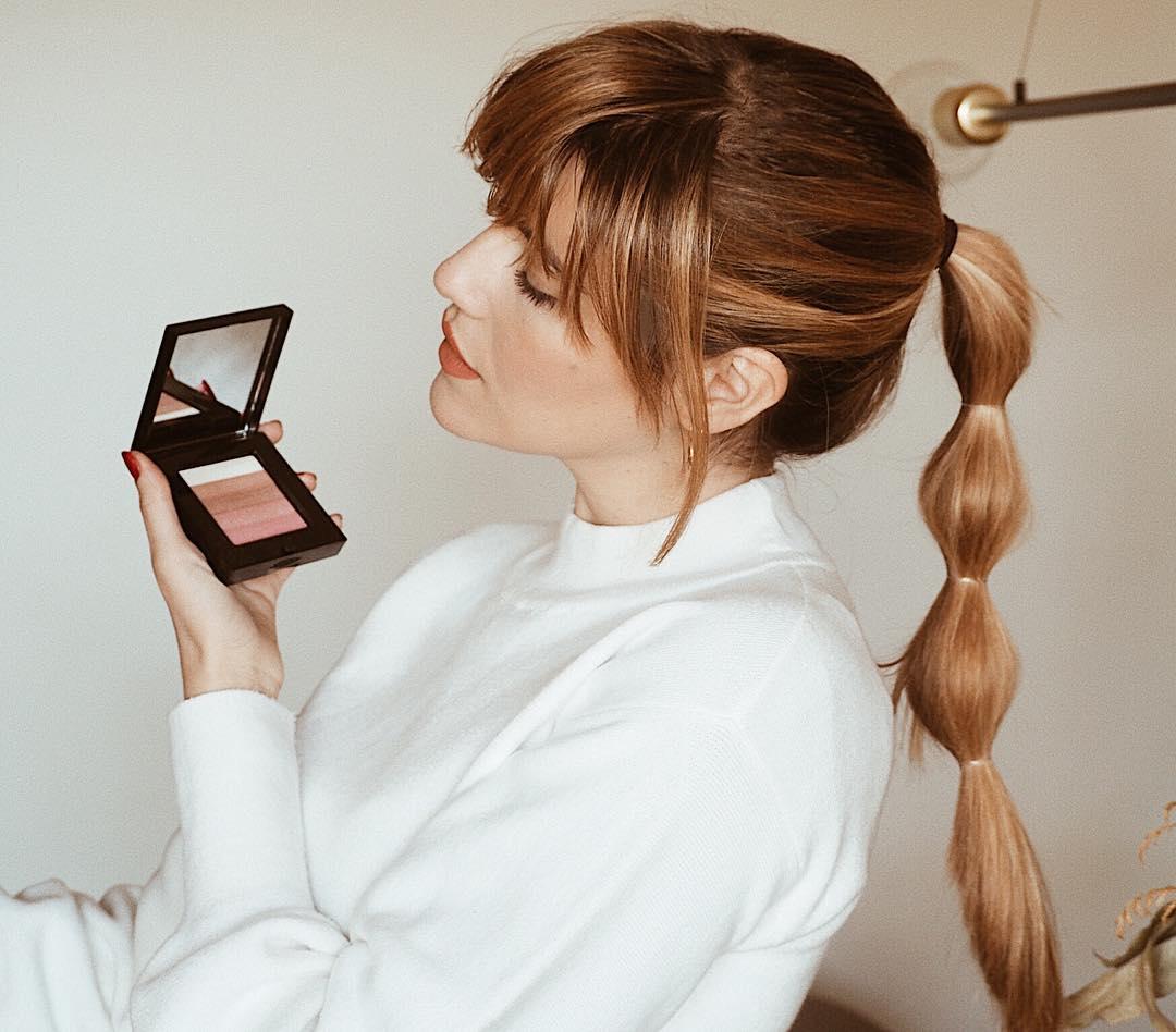 Uno de mis imprescindibles ? No sabes lo potente que es el Shimmer Brick de @bobbibrownes hasta que lo pruebas #bobbibrown  #makeup